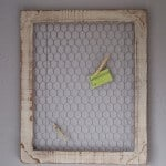 Homestead Decor: DIY Chicken Wire Frame