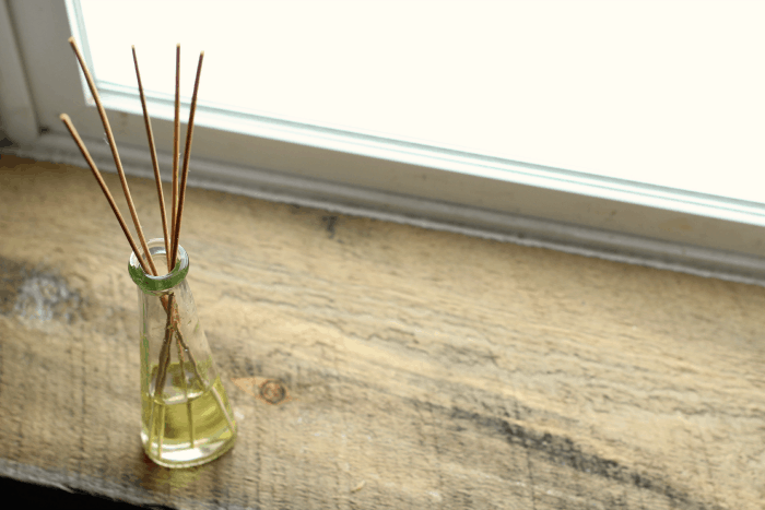 Diy Essential Oil Reed Diffuser The Prairie Homestead