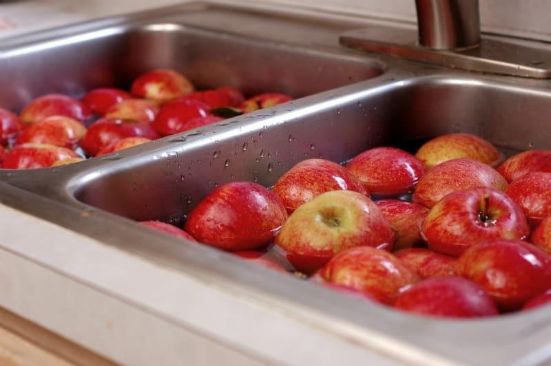 Enjoying The Apple Harvest :: 100+ Apple Recipes!