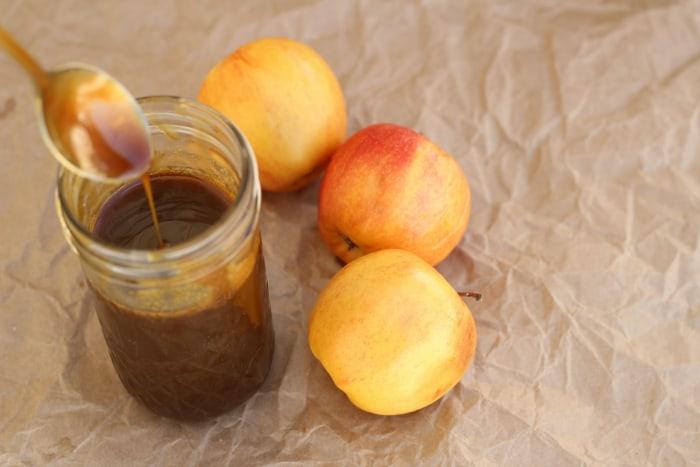 Easy Caramel Sauce Recipe: a simple, no-fuss recipe for caramel sauce--perfect for ice cream topping, apples, or fruit dip. I'm having a really hard time not just eating it with a spoon...