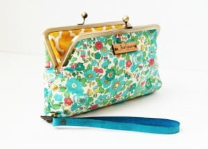 sew grown essential oil clutch