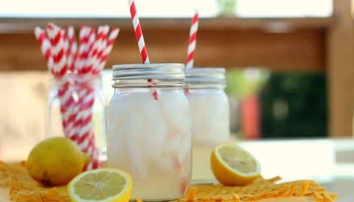DIY Mason Jar Cup with Straw