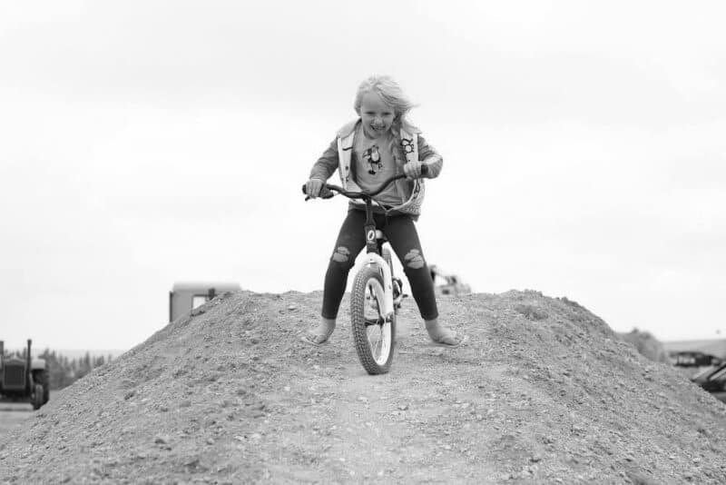 bike-dirt-bw